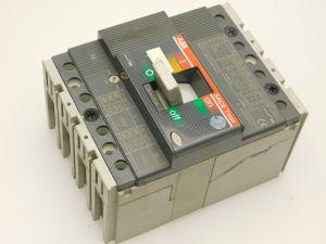 Interruttore automatico ABB SACE Tmax T1C160  In160A  4poli