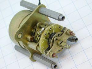 Relè solenoide passo passo 1via bobina 24Vcc mm 35x50