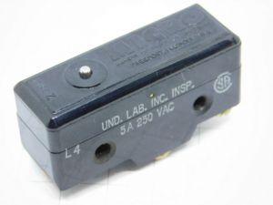 Micro Switch BZ-7Y7 con involucro protettivo