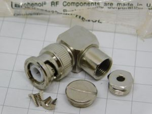 Connector BNC male 90° AMPHENOL 33275  cable RG316