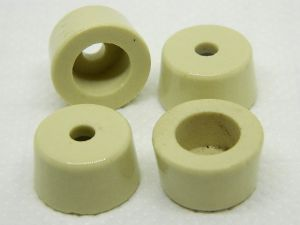 Ceramic insulator mm.22,5x13  hole mm. 5 (n.4pcs.)