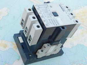 Relay contactor  SIEMENS 3TB48 17-0B  100A 3pole  coil 110Vdc