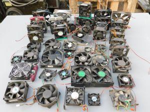 Lotto n. 50 ventilatori assortiti 12Vcc vari tipi smontati.