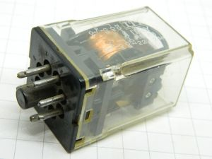 Relay OMRON MKP2  coil 220Vac  2DPST 10A  socket OCTAL