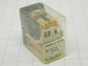 Relè SIEMENS V23154 D0716 C610  bobina 24Vcc  4scambi contatti argento  oro