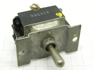 Toggle switch ON-OFF-ON  20A  C-H 8742K6