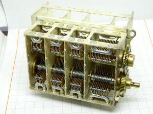 Condensatore variabile in aria 8 sezioni