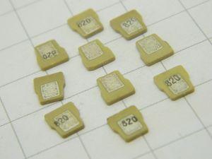 820pF condensatore passante SMD CTS TUSONIX 884 024 Z5 (n.10 pezzi)