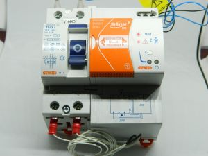 Self resetting differential switch  GEWISS Re Start Pro GW90968 GW94818 SD 2pole 25A 0,1A