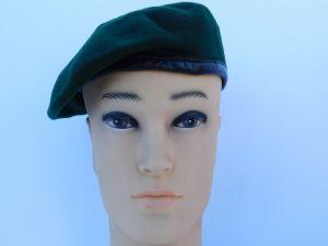 Basco militare nero
