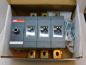 Circuit breaker ABB OT630E03  630A 3pole