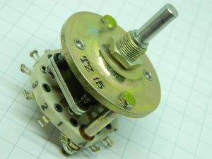 Rotary switch 3position 1way (+ 6 ausiliary contacts) ceramic