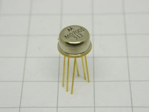 MD7001 double transistor MOTOROLA  TO5 gold