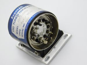 Avantek  SO82-2169  YIG tuned oscillator  8-12.4Ghz