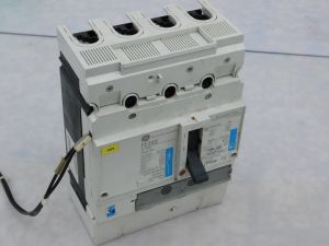 Automatic circuit breaker GE FE160 Record plus 4poles 160A FEN406F160JF