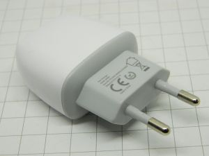 Carica batterie 220Vac / 5Vcc 2,1A  doppia presa USB  (n.5 pezzi)