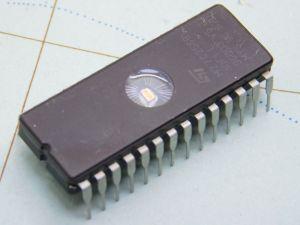 MC27C256B  circuito integrato