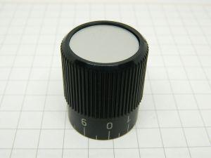 Manopola dim. mm. 32x38 foro mm.8