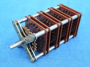 Rotary switch 22 pos. 4 way, contacts silver alloy.