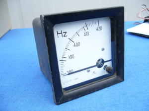 Frequenzimetro da pannello 400Hz