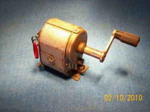 Magnete generatore a manovella